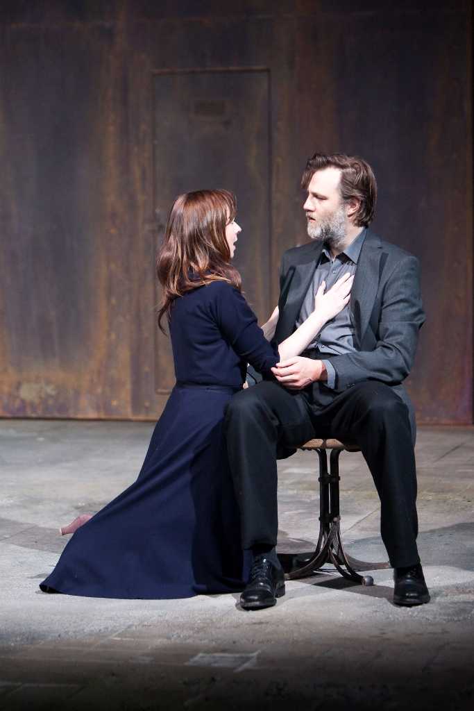Macbeth_David Morrissey as Macbeth and Julia Ford as Lady Macbeth © Helen Warne